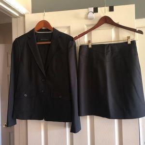 Banana Republic women's black skirt jacket suit